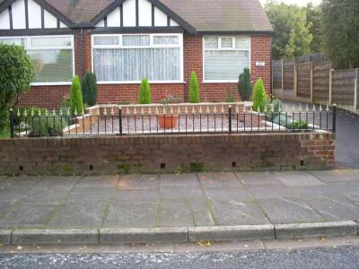 Ref:RA032 Wall Top Railings In Alcrington
