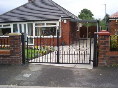 Ref:  GT035 Wrought Iron Gates in Failsworth, Manchester