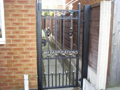Ref: GT039 Metal Side Gates Rochdale
