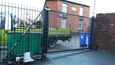 Ref:GTO68 Electric sliding gate Ashton